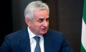 Президент Абхазии обвинил оппозицию в попытке захвата власти