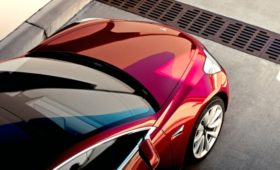 Автопилота Tesla не видит грузовики! Очередное смертельное ДТП
