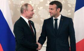 Макрон предложил Путину встретиться в «нормандском формате»