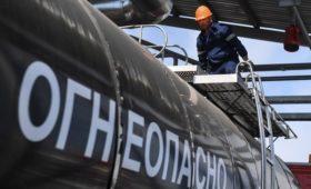 Путин потребовал стабилизировать цены на авиакеросин и битум