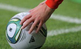 Футболист забил сосвоей половины поля на93-йминуте