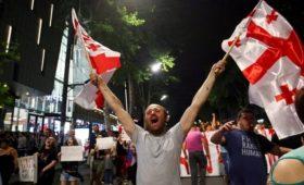 Власти Грузии пошли на уступки протестующим