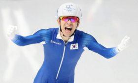 Олимпийского чемпиона обвинили визбиении