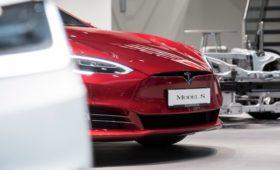 Минпромторг не включил Tesla и Bugatti Veyron в список дорогостоящих авто
