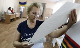 Полиция Украины и наблюдатели заявили о нарушениях на выборах в Раду