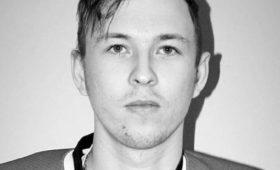 Заступился задевушку: хоккеист умер после жестокой драки