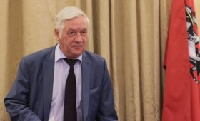 Глава Мосгоризбиркома провел встречу с оппозиционерами в коридоре
