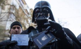 Украинский Центризбирком показал лицо идущего в Раду Дарта Вейдера