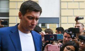 К не допущенным на выборы в Москве оппозиционерам пришли с обысками