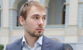 Антон Шипулин подал документы дляучастия вдовыборах вГосдуму