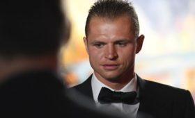 Безсчетов изаграницы: Тарасов пострадал из-заалиментов