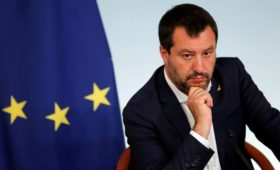 BuzzFeed узнал детали переговоров итальянских правых о деньгах из России