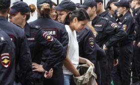 Социологи зафиксировали спад доверия к силовикам после дела Голунова