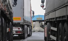 Украина продлила на год эмбарго на ввоз товаров из России