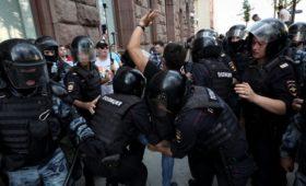 Московские суды арестовали 88 человек после митинга 27 июля