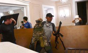 Силовики начали новый штурм резиденции Атамбаева