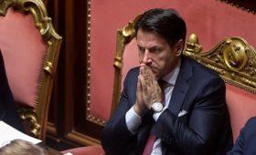 Премьера Италии отправили в отставку