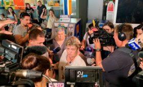 В ВМС Украины сообщили о прибытии в аэропорт Киева родных заключенных