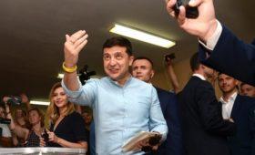 Зеленский упростит выдачу гражданства преследуемым за политику в России