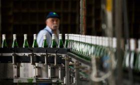 Структура Усманова промаркирует алкоголь и сигареты в Узбекистане