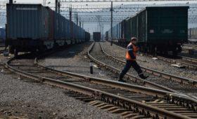 РЖД сократили отправку грузов на восток вдвое из-за наводнений