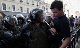Прокуратура заявила об ошибочном задержании 37 подростков 27 июля
