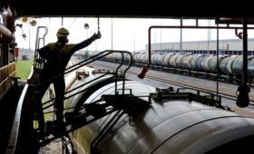 Треть доходов бюджета России оказалась связана с нефтью и газом