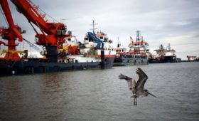 Нефть марки Brent подешевела на 6%