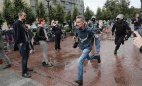 Немецкого дипломата вызвали в МИД из-за публикации DW о митингах