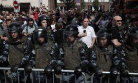 Прокуратура потребовала отнять ребенка у участников митинга в Москве