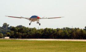 В США испытали первый беспилотный самолет-заправщик