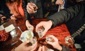 СМИ узнали о планах властей ввести новые ограничения на продажу спиртного