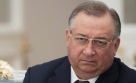 Токарев ответил Сечину на требование об извинениях после письма Шредера