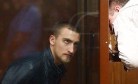Мосгорсуд выпустил актера Устинова из-под стражи