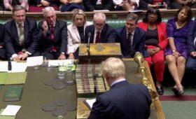 Британские депутаты поменяли повестку парламента ради переноса Brexit