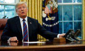 NYT сообщила о работе в ЦРУ пожаловавшегося на Трампа осведомителя