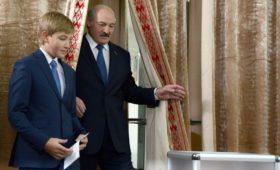 Лукашенко заявил «никаких детей» на вопрос о транзите власти в Белоруссии
