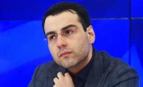Кандидат в президенты Абхазии выдвинет в премьеры экс-сотрудника Кремля