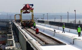 Росимущество купило вагоны для перевозки пассажиров по Крымскому мосту