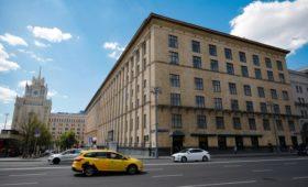 Бывшее здание Минэка на Триумфальной площади выставили на продажу