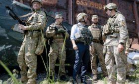 Бывший дипломат сообщил о тайной поездке Зеленского на передовую
