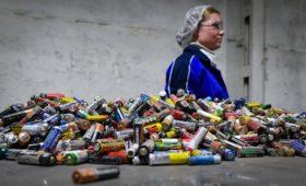 Минприроды запретит выбрасывать батарейки в мусоропроводы