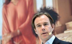 Глава H&M увидел угрозу в призывах прекратить потреблять