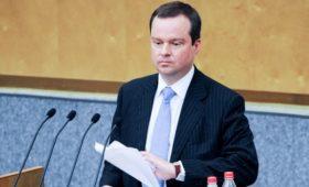 Акционерами санкционной биржи станут крымский и «оборонный» банки