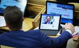 Минфин предложил ограничить чиновников в расходах на планшеты и ноутбуки