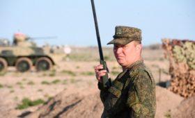 СМИ узнали о планах Минобороны защитить военных от переработок