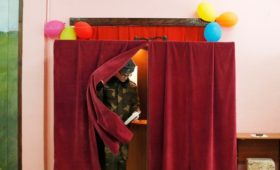 В Белоруссии начались досрочные выборы в парламент