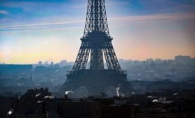 «Коммерсантъ» узнал о плане провести встречу Путина и Зеленского в Париже