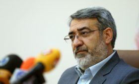 Иранские власти выпустили предупреждение протестующим из-за цен на бензин
