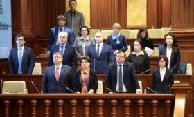 Правительство Молдавии распустили через пять месяцев после формирования